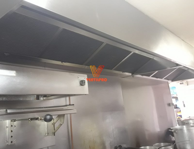 Installation de hotte professionnelle de cuisine ventilpro for Extraction cuisine professionnelle